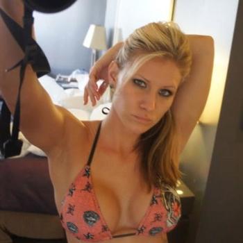 sexdating met lisasingle, Vrouw, 22 uit Flevoland