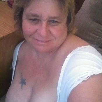 Sexdate met okeeeee, Vrouw, 63 uit Friesland