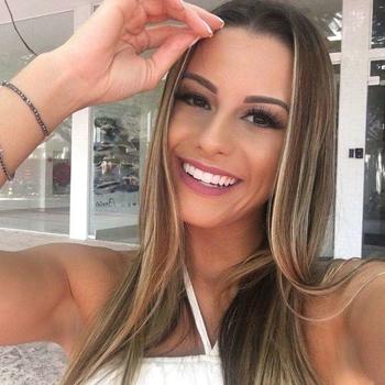 Snopor, Vrouw, 26 uit Namen