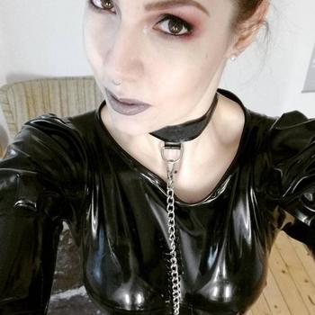 Vrouw 27 jaar zoekt kinky date