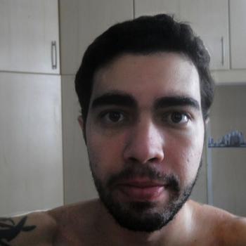 Gay ZVrk zoekt sex