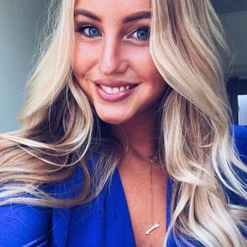 21 jarige Vrouw zoekt sex in Weert