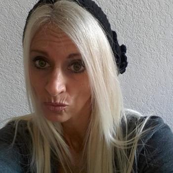 Hotel Seks contakt met moppie0101, Vrouw, 52 uit Groningen