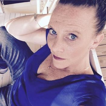 Vrouw zoekt sex AnnMiek, Vrouw, 51 uit Oost-vlaanderen