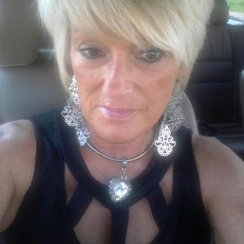 Vrouw zoekt sexdate Me_leonie, Vrouw, 62 uit Noord-Brabant
