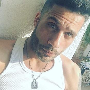 Gay PrettyBoy zoekt sex