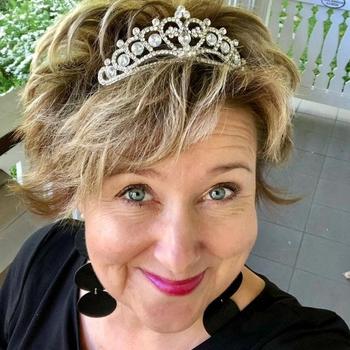neuk date met Luciende, Vrouw, 63 uit West-vlaanderen